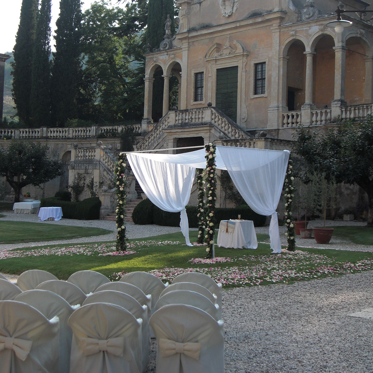 Matrimonio giardino in villa | Negriricevimenti.com