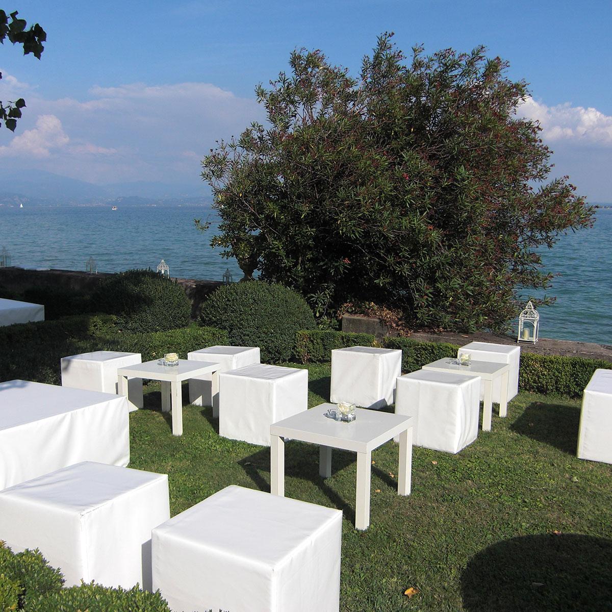 allestimento aperitivi in giardino | Negriricevimenti.com