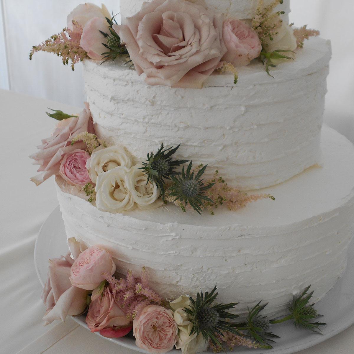 Torta con fiori matrimonio | Negriricevimenti.com